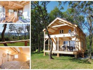 Puy Montaly, maison chalet, calme sans voisin, en pleine nature, étang, pêche