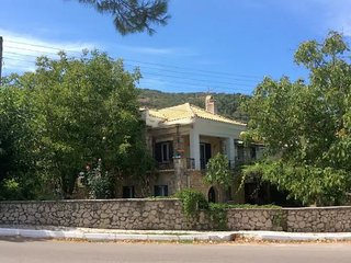 """PERIS"" independent apartment in a traditional stone house with garden, Lefkada"