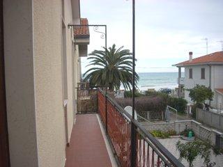 House - 30 m from the beach, Casalbordino