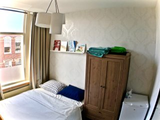 Guest Room in Statenkwartier, Den Haag: An Ideal Location for Shopping & Beach!, Scheveningen