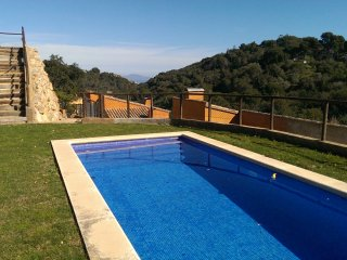 Fantastic house in Begur.Garage/private garden/pool