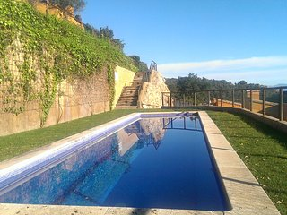 Fantastic house in Begur.Garage/private garden/pool