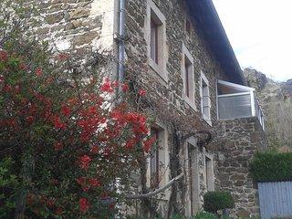 Maison de caractère dans un village typique proche du Puy en Velay