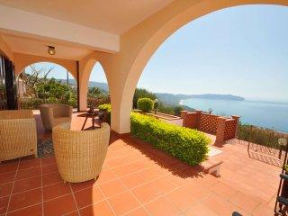 Villa a Pisciotta ID 676