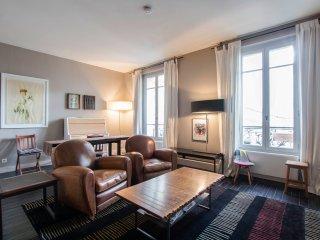 G17676 - Designed 1BR flat - Batignolles - Place Clichy - 17th, Paris