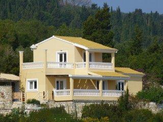 Villa Kalypso | 2 minutes to the Beach with Private Pool & Amazing Seaviews