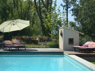 La Tour at Provence Paradise / 2 BR / Wifi / AC / Pool, Saint-Remy-de-Provence