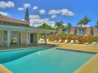 Quaint Princeville Condo w/ Balcony & Pool Access!