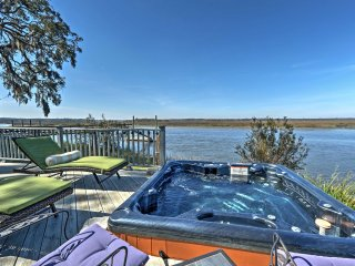 Colonels Island Casita w/ Shared Dock & Hot Tub!