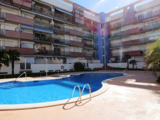 Alquiler piso de vacaciones con 2 habitaciones, piscina y parking en Santa Marga