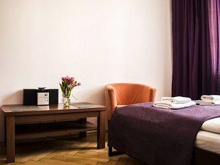 M22 apartment in Stare Miasto {#has_luxurious_ame…