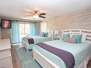 Relax & Enjoy Life! Completely Updated Fresh & Fun Wild Dunes Condo, Pool, Walk to Beach