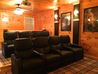 Brigadoon V - Spacious, Idyllic and Private Cabin with amenities galore!, Gatlinburg