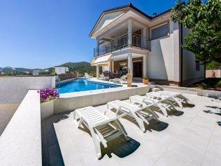 Villa Dragana - villa with a private pool, Marina