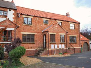 Esk-side 4* cottage mill court centre of ruswarp whitby dogs welcome