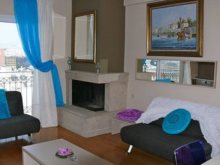 Luxury 2 Bdrm Apt with Sea View in Athens for 7ppl, Piraeus