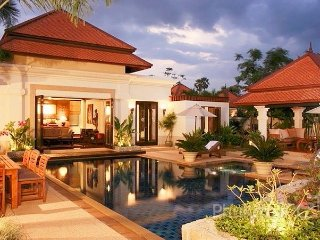 Stunning 4-Bed Balinese Pool Villa near Laguna