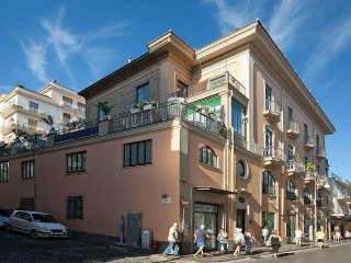 Sorrento Apartment Sleeps 4 with Air Con and WiFi - 5341392
