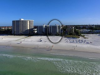 Direct Beachfront 2 BR/2BA, Sunset View!