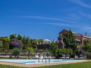 Villa Paradiso - Enchanting Pool and sights of Etna, Taormina and the Ionian Sea