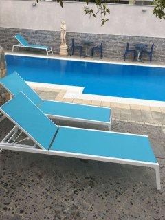Infinity pool with solarium