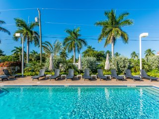 Santa Barbara Villa - Beautiful 3 BR Townhome, Pompano Beach