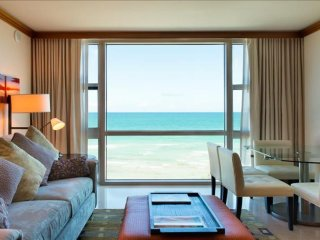 The Adonis -Luxury Oceanview 2 Bedrooms + 2 Bathrooms