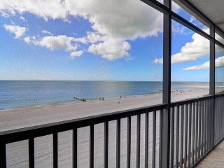 Beautiful Beach Front Condo with direct view of the Gulf of Mexico