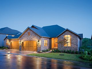 Luxury in the Ozarks. Relax in a 5 BR home that is part of the Big Cedar complex, Ridgedale
