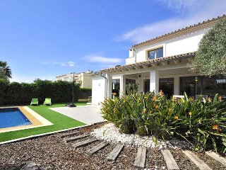 Bonita casa moderna y luminosa, muy cerca de Palma.