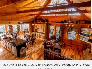 LUXURIOUS CABIN WITH GLASS PORCH AND PANORAMIC MAJESTIC MOUNTAIN VIEWS!, Sevierville