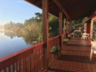 Dune Lake Getaway-Oregon Coast Lakefront Home with Dune Access, North Bend
