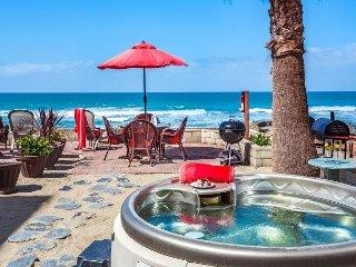 Beachfront Condo on the Sand w/ private spa ,Designer Decorated