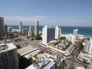 2261 - 26th Floor Ocean Views Surfers Paradise 2 Bedroom 2 Bath Apartment