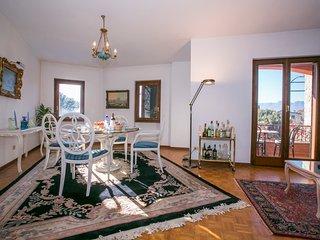 Mezzegra Apartment Sleeps 6 with Pool and WiFi - 5771374