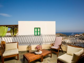 Lindos, Villa Estelle, 5min walk from St Paul Beach, Babylonian Living
