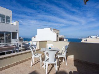 Modern Luxury Penthouse with seaview terrace,in top location, near sea Free Wifi, St. Paul's Bay