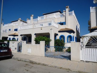 Beautiful town house with driveway and garden, Daya Vieja