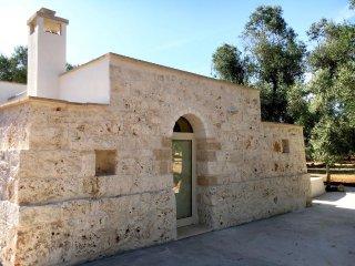 Lamia Archi Vecchi con uliveto secolare