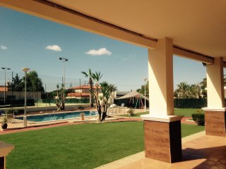 Private rural villa private pool / tennis courts in Elche near to Airport