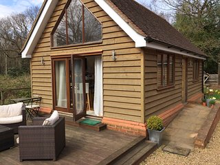 Beautiful self-contained one bedroom en suite cottage, Pease Pottage
