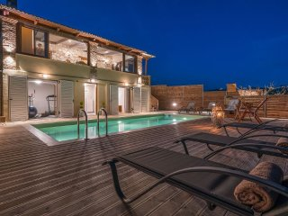 Tramonto 4-Bedroom Villa with Private Pool
