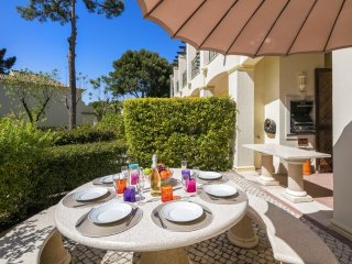 Modern 3 Bedroom Apartment in Pinheiros Altos, Quinta to Lago - Sera.