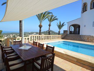 Beautiful Villa Sleeps 8 with Private Pool and Sea View