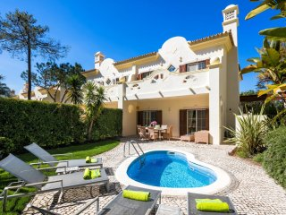 3 Bedroom Townhouse with own small pool, Quinta do Lago