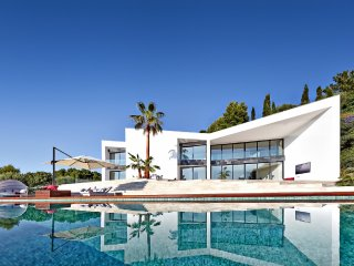Son Vida Luxury Residence