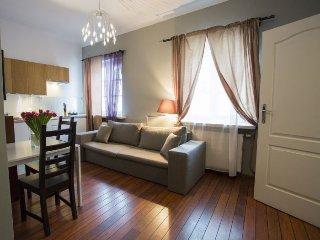 M12 apartment in Stare Miasto {#has_luxurious_ame…