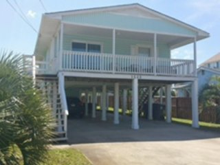 Steps to the Beach 3 bedroom home, Carolina Beach