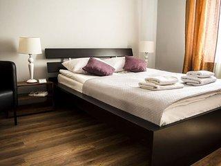 M5 apartment in Stare Miasto {#has_luxurious_amen…