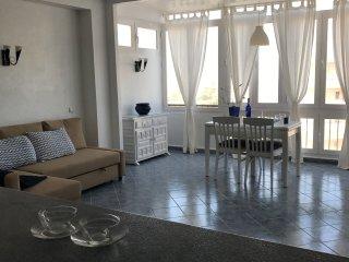 salon ample con sofa cama wifi y tv movistar